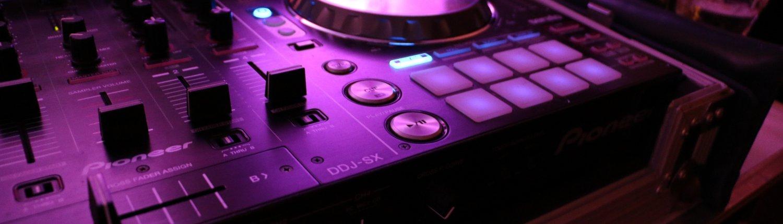Foto vom DJ Controller auf einer Hochzeitsfeier